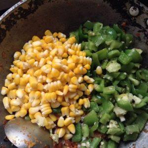how to do corn capsicum masala