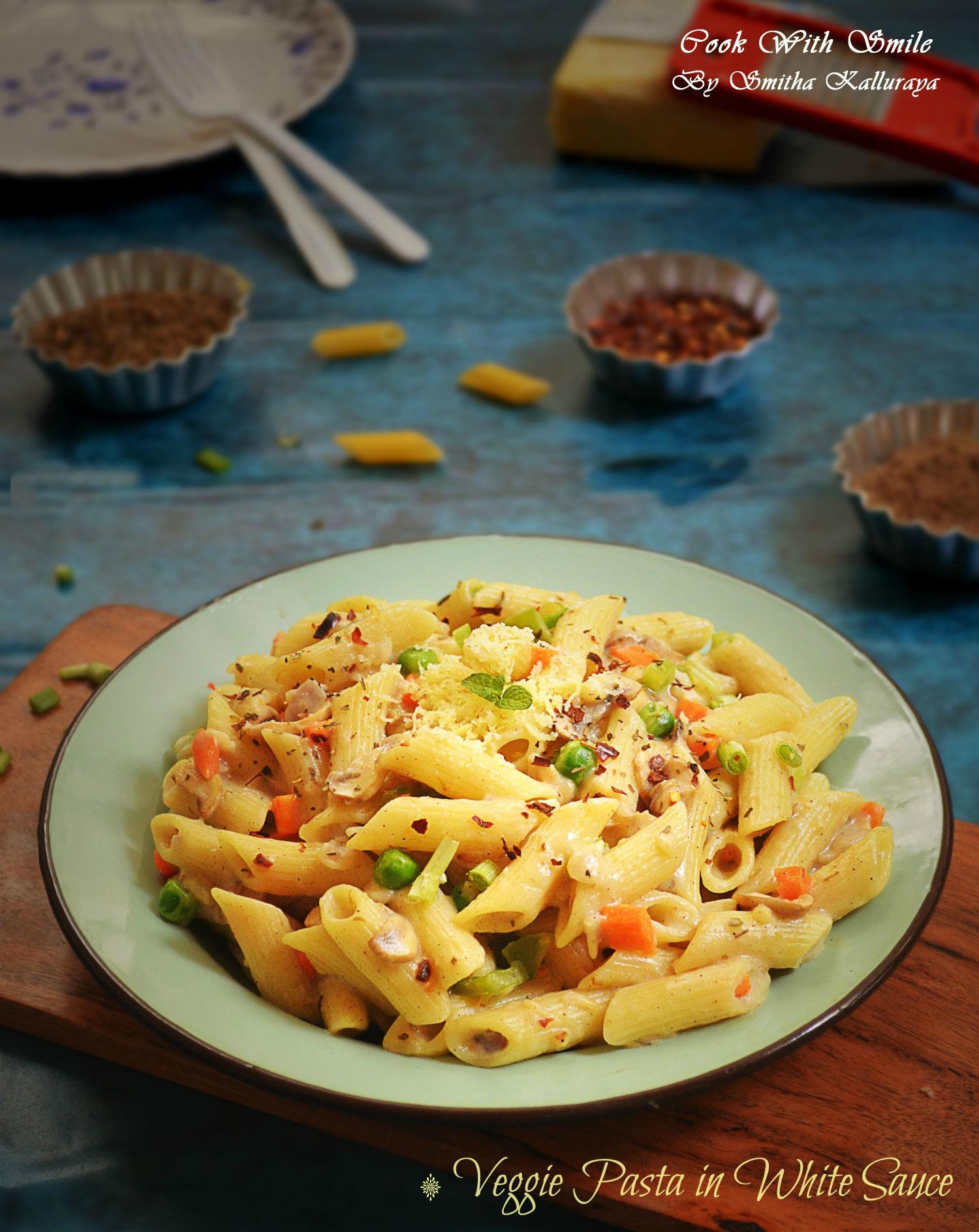 pasta in white sauce